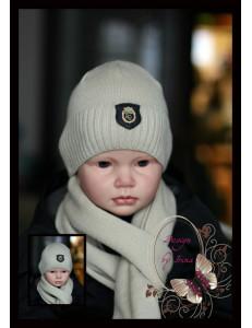 Набор вязаный бежевый для мальчиков (шапка и шарф)