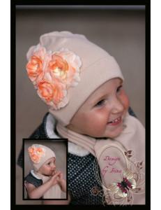 """Комплект бежевый для девочек шапка и шарф """"Камелия"""""""